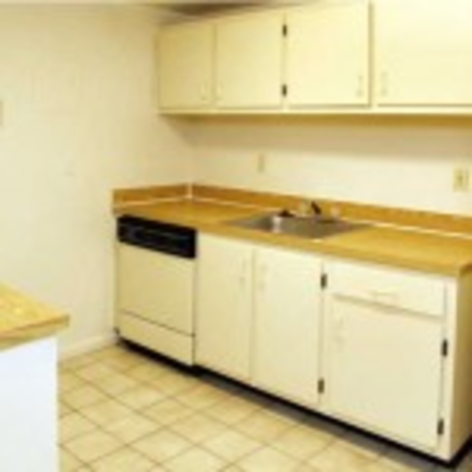 14 2 bedroom kitchen 150x15020150105 8184 kxaysl 960x960