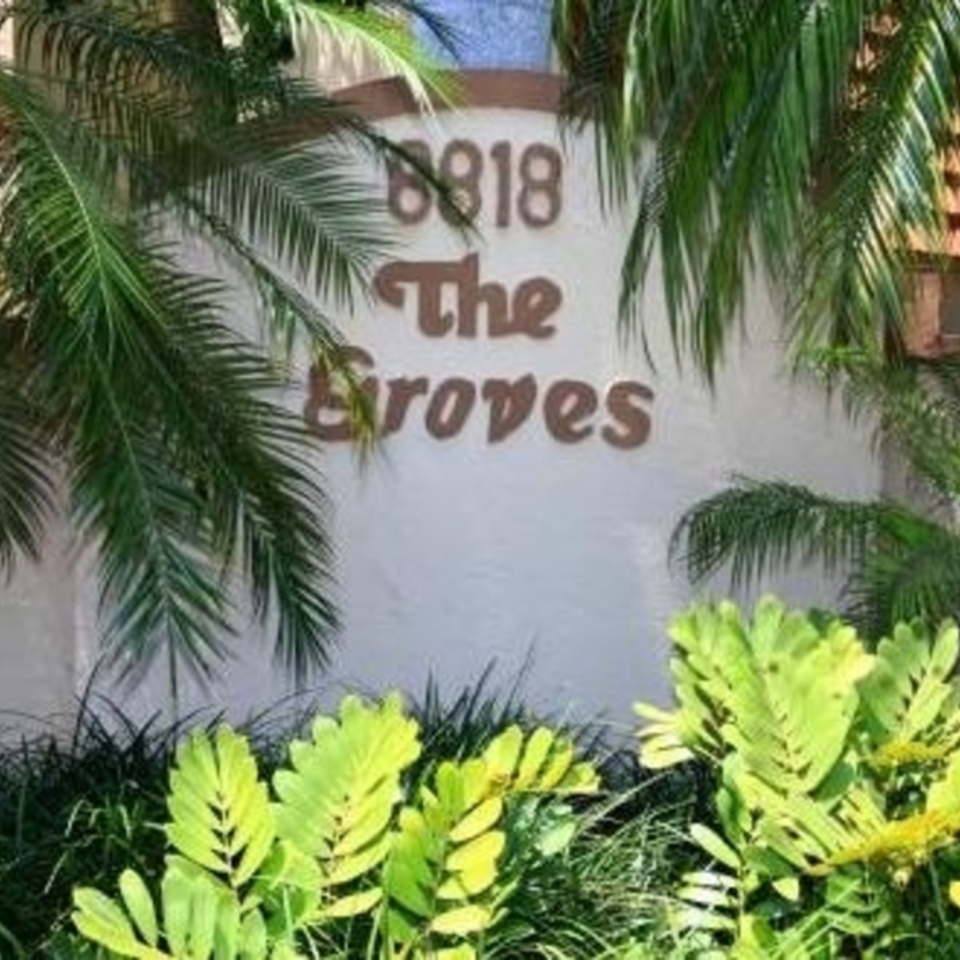 The groves entrance120150105 8184 1el8t4v 960x960
